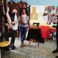 Blessing, dalla Nigeria a Camini, insieme a Katia di Jungi Mundu (foto di Adele Murace)